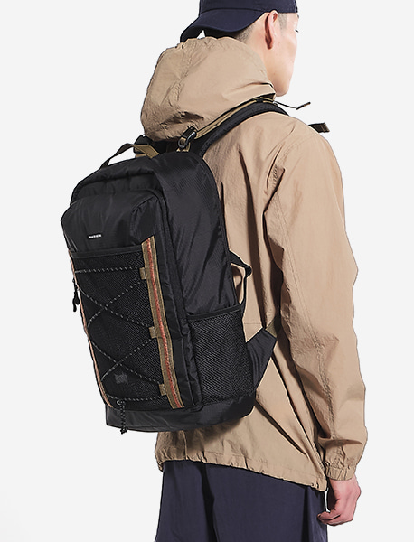 MESS BACKPACK - BLACK brownbreath